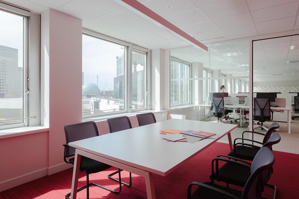 Moore  aménage 3 étages de PWC à la tour PB5 de Paris La Défense. Photo : Fabrice Dunou