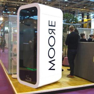 Cabine téléphonique Framery salon Bureaux Expo 2014 Moore