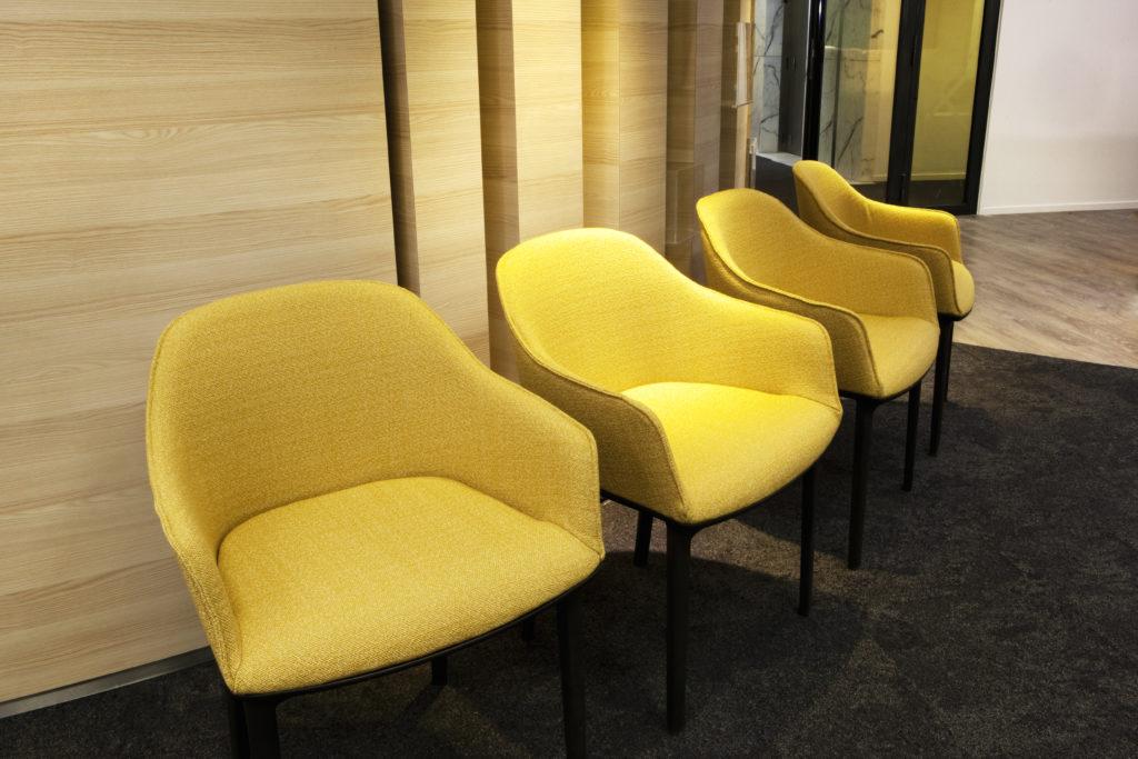 Espace d'attente avec siège softshell - Réalisation ALBIOMA - La Défense