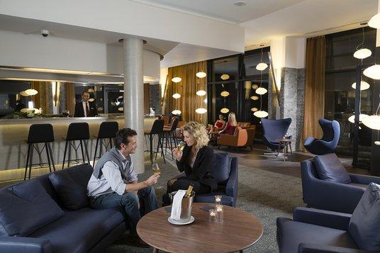 Aménagement d'un espace bar, restauration, détente - Réalisation THALAZUR - Cabourg