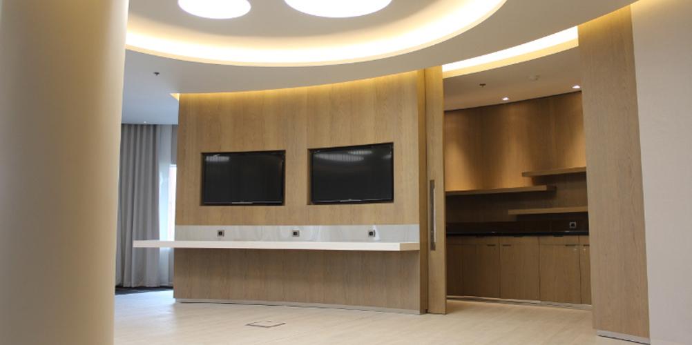 Aménagement accueil hôtel Pullman Brussel Midi