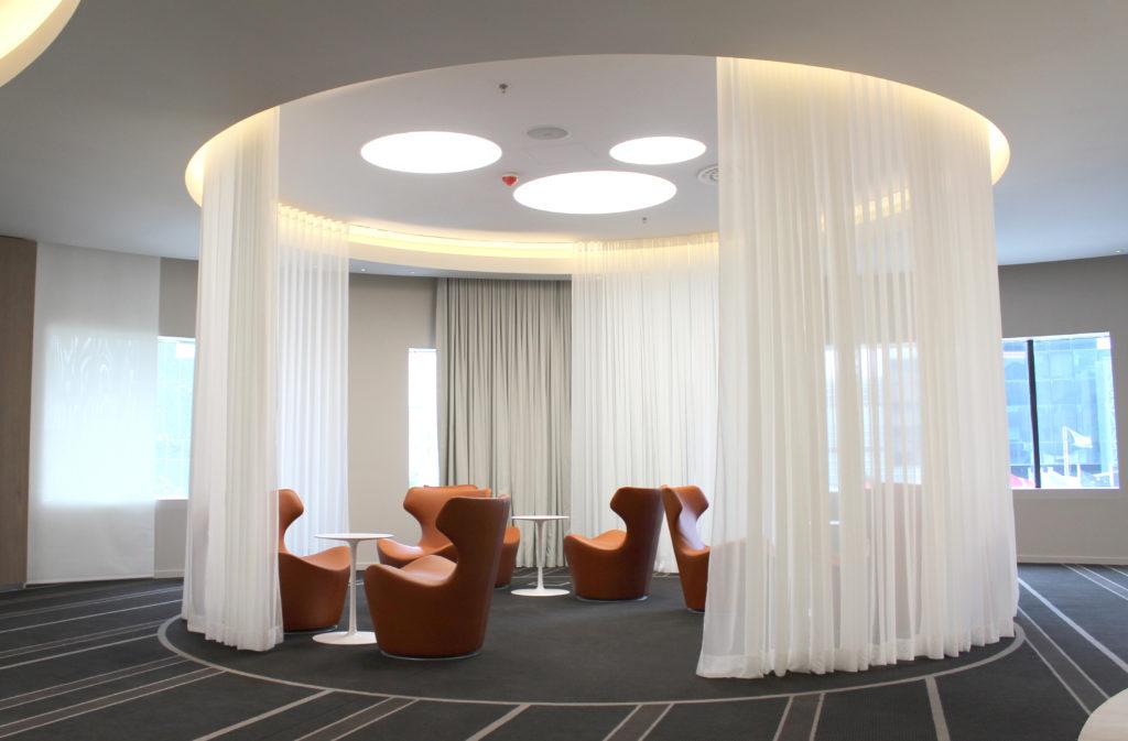 Aménagement d'un espace pour réunion informelle - Réalisation PULLMAN - Bruxelles