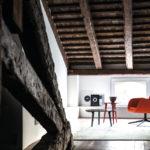Fauteuil Mysa Lounge sur pieds métallique et table Adamar Coffee Bross