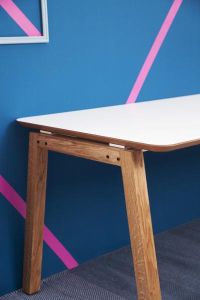 Bureau design pied bois Wood by Moore