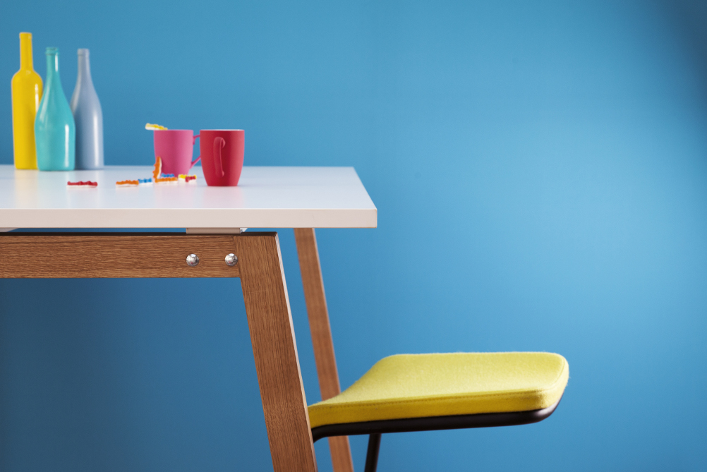 Table manque debout WOOD by MOORE