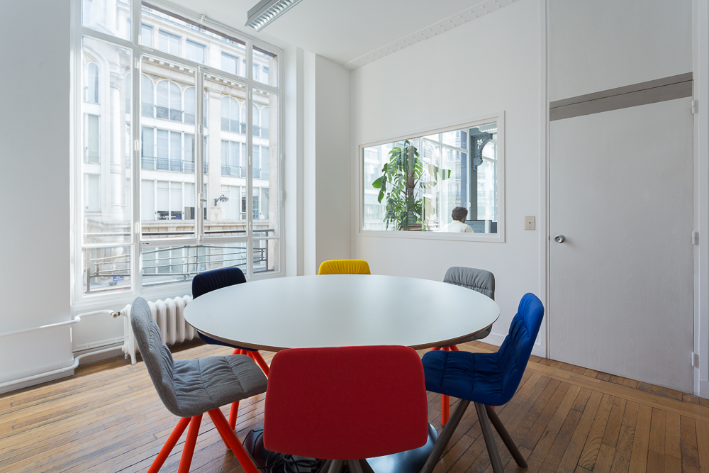 Aménagement d'un espace de réunion - Réalisation IZIPIZI - Paris