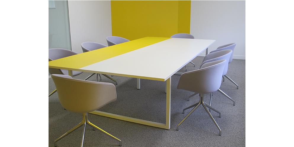 Marketing suite, salle dé reunion, mobilier personnalisé - Axa, Tour Voltaire, La Défense