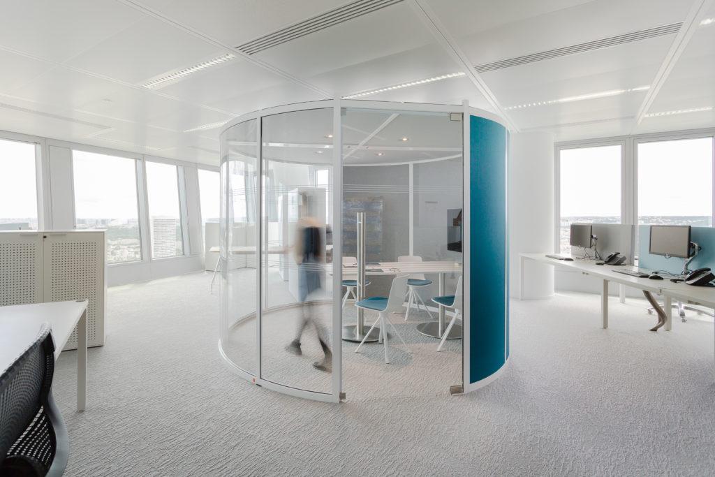 Aménagement d'espace de réunion dans open space - Réalisation DELOITTE - La Défense