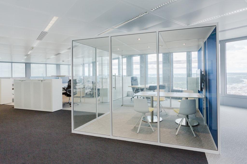 Aménagement d'un espace de réunion connecté - Réalisation DELOITTE - La Défense
