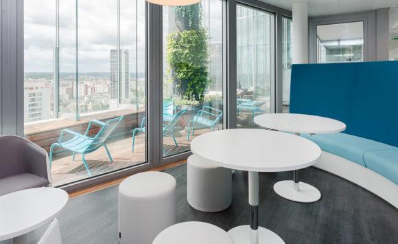 DELOITTE - Aménagement en flex office : Espaces de réunion, espaces détente, cabines acoustiques