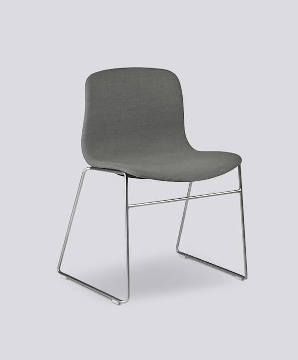 4 pieds luge chaise hay about a chair