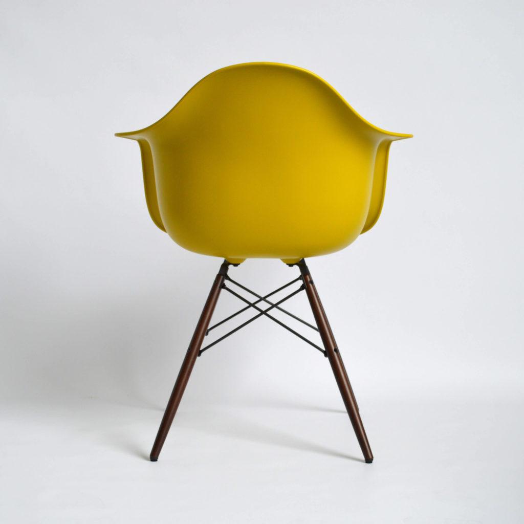 Vitra-Eames-DAW-04-senf