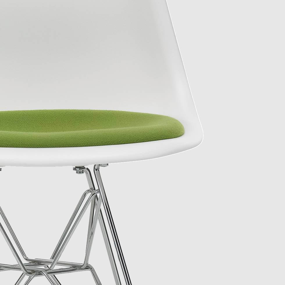 vitra-dsr-eames-plastic-side-chair-dsr-with-seat-c