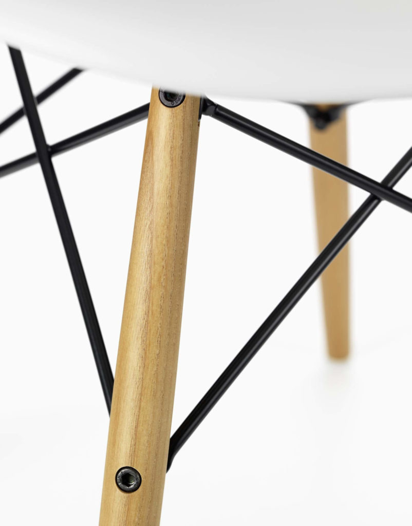 vitra_eames_plastic_arm_chair_daw_detail_1_1
