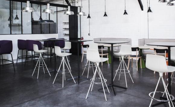 L'ATELIER - Amenagement d'un espace en open space, espaces de réunion