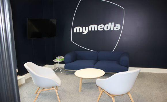 MY MEDIA - Aménagement salle de réunion, espace lounge, bureaux connectés