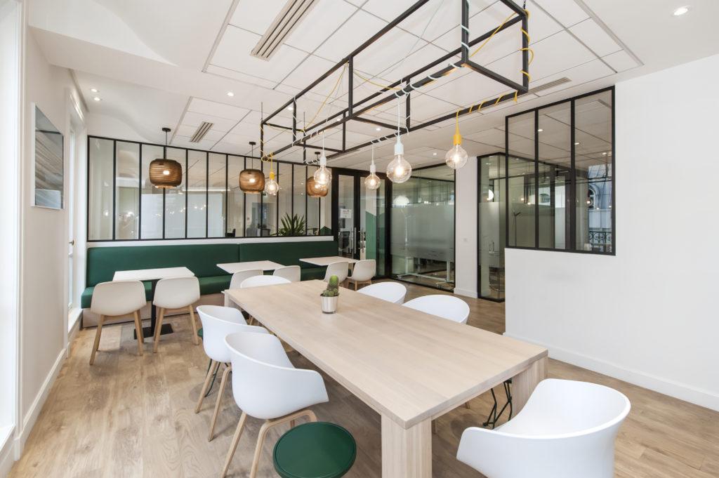 Aménagement d'un espace hybride : espace de restauration ou de travail - Réalisation GREEN GIRAFFE - Paris 9