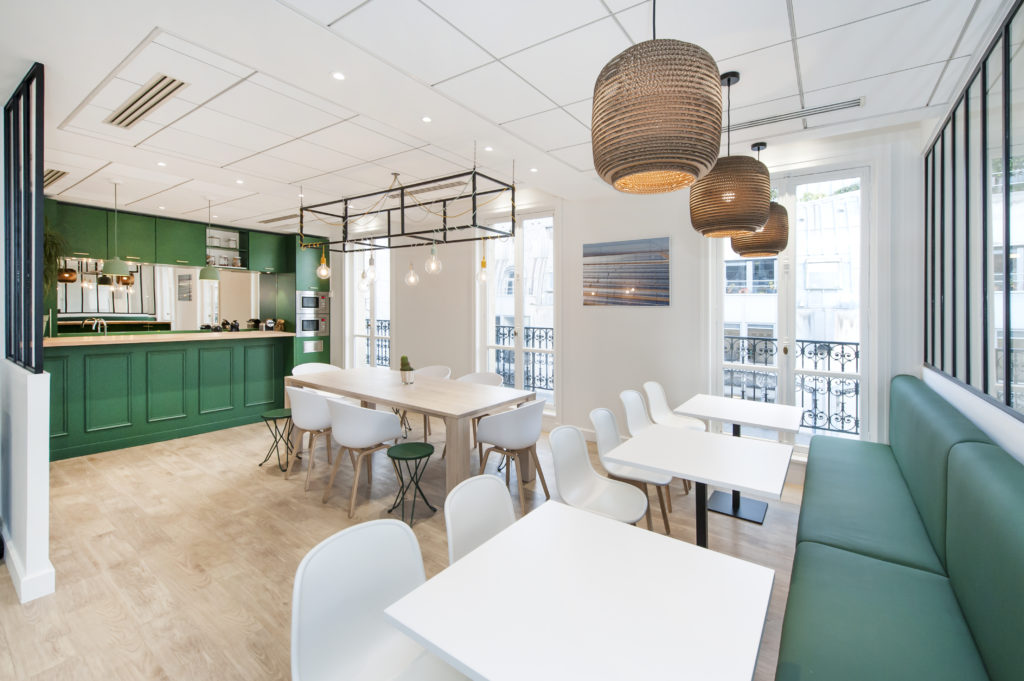 Aménagement d'un espace collaboratif, mêlant travail et détente - Réalisation GREEN GIRAFFE - Paris 9