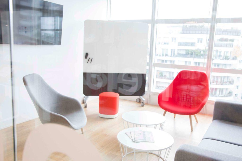 Aménagement espace cafétéria, espace informel et salle de réunion - DOCUSIGN Issy Les Moulineaux
