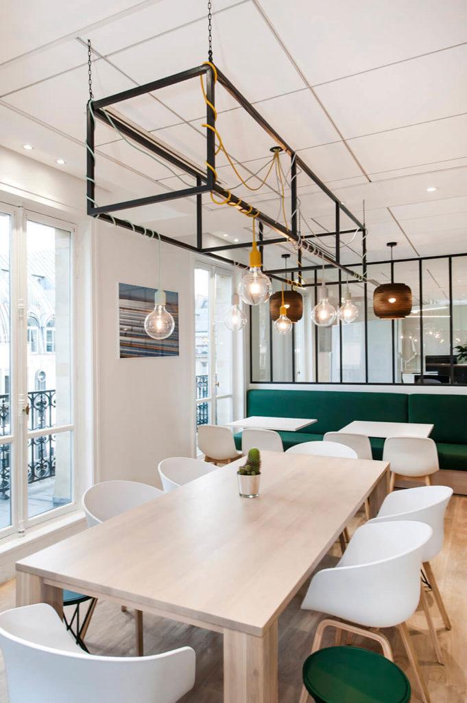 Aménagement espace cafétéria, table lounge - GREEN GIRAFFE Paris 9