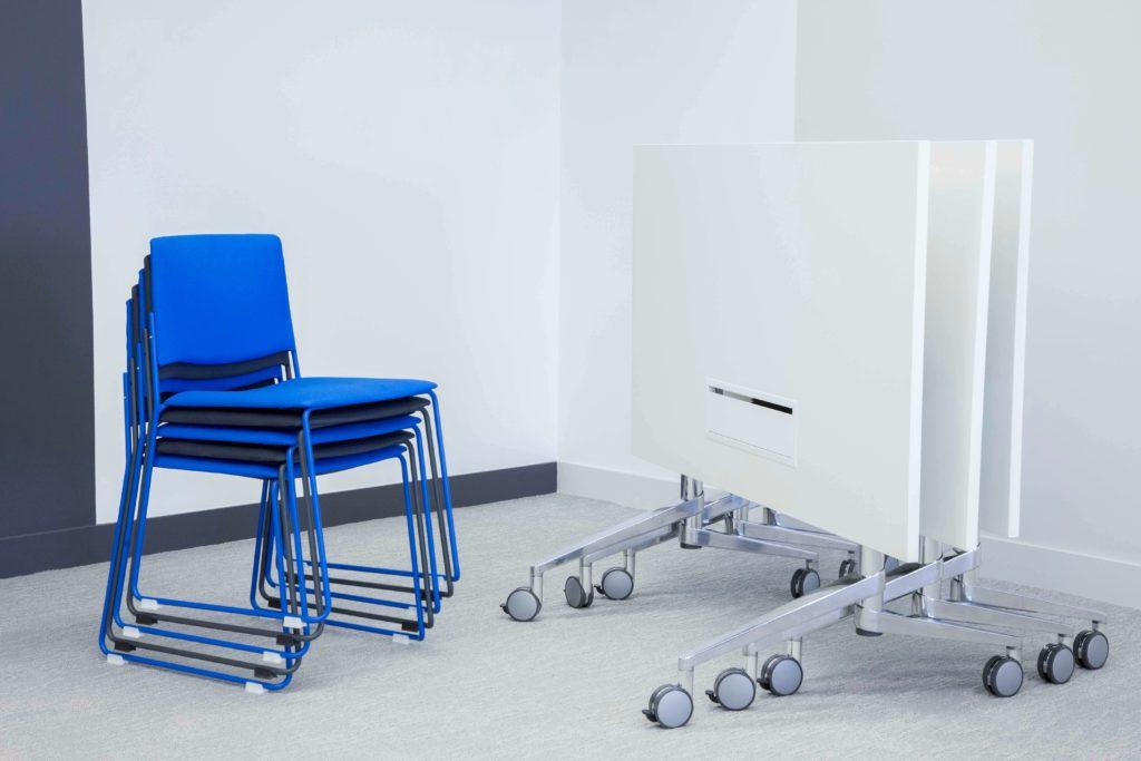 Tableau écritoire - chaises de réunion - DOCUSIGN Issy Les Moulineaux