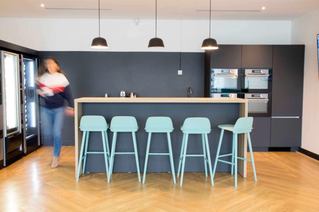 Aménagement espace cafétéria - DOCUSIGN Issy Les Moulineaux