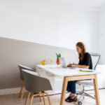 Chaise About A Chair, Table Nova Wood, Siège de travail Liberty