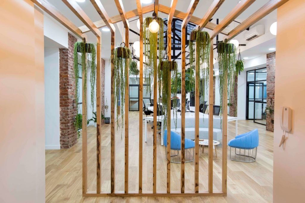 Aménagement espace collaboratif bench modulaire, loft, verrière - CARDIOLOGS Paris 2