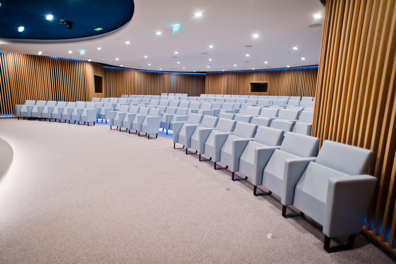 Aménagement espace conférence design - Paris 2 Le Centorial
