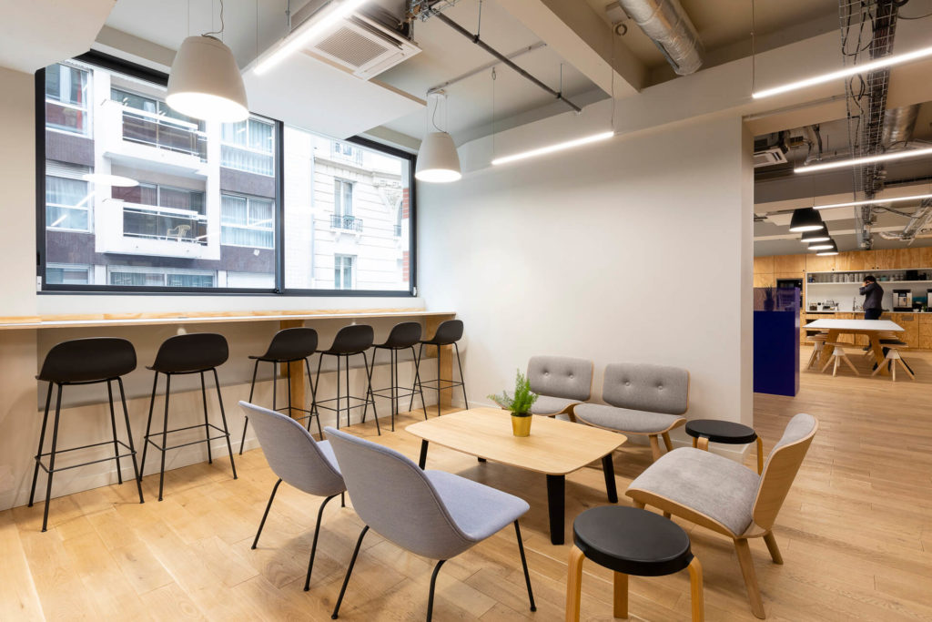Aménagement d'un espace hybride cuisine et détente - Réalisation LE TANK - Paris 11