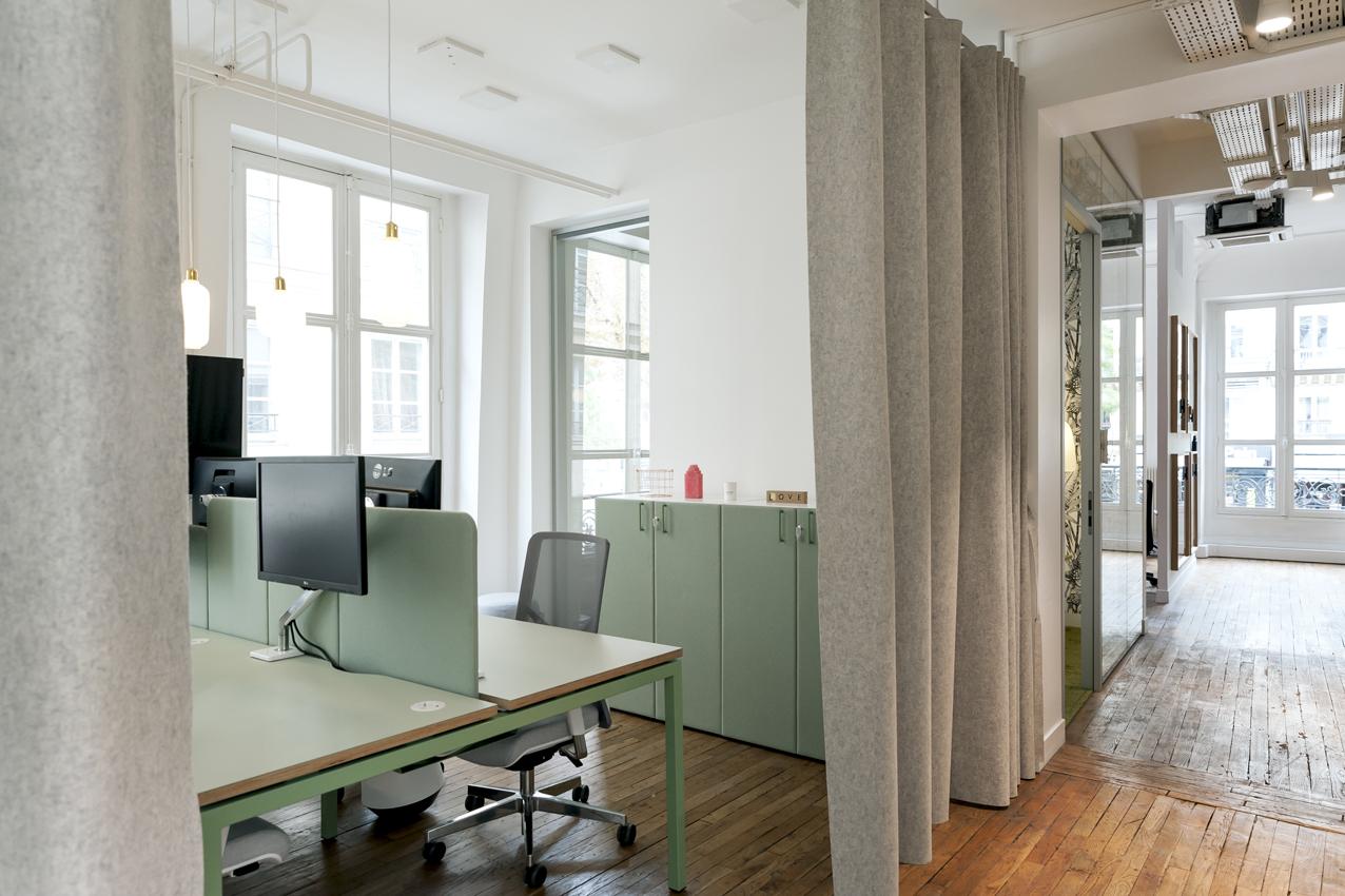Espace de travail en open space - l'Appartement MOORE