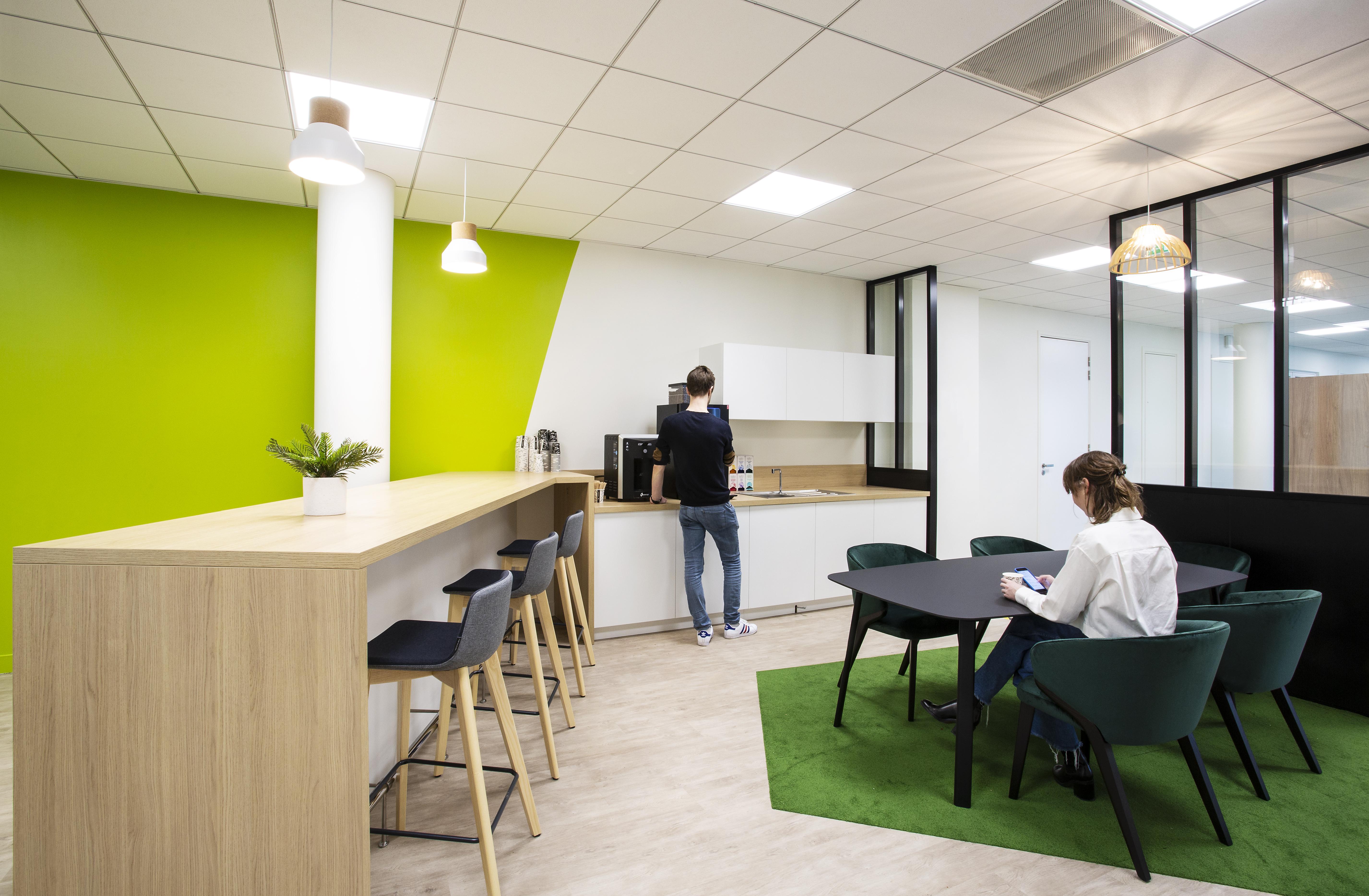 Aménagement d'un espace cafétéria, détente - Réalisation RTE - Puteaux