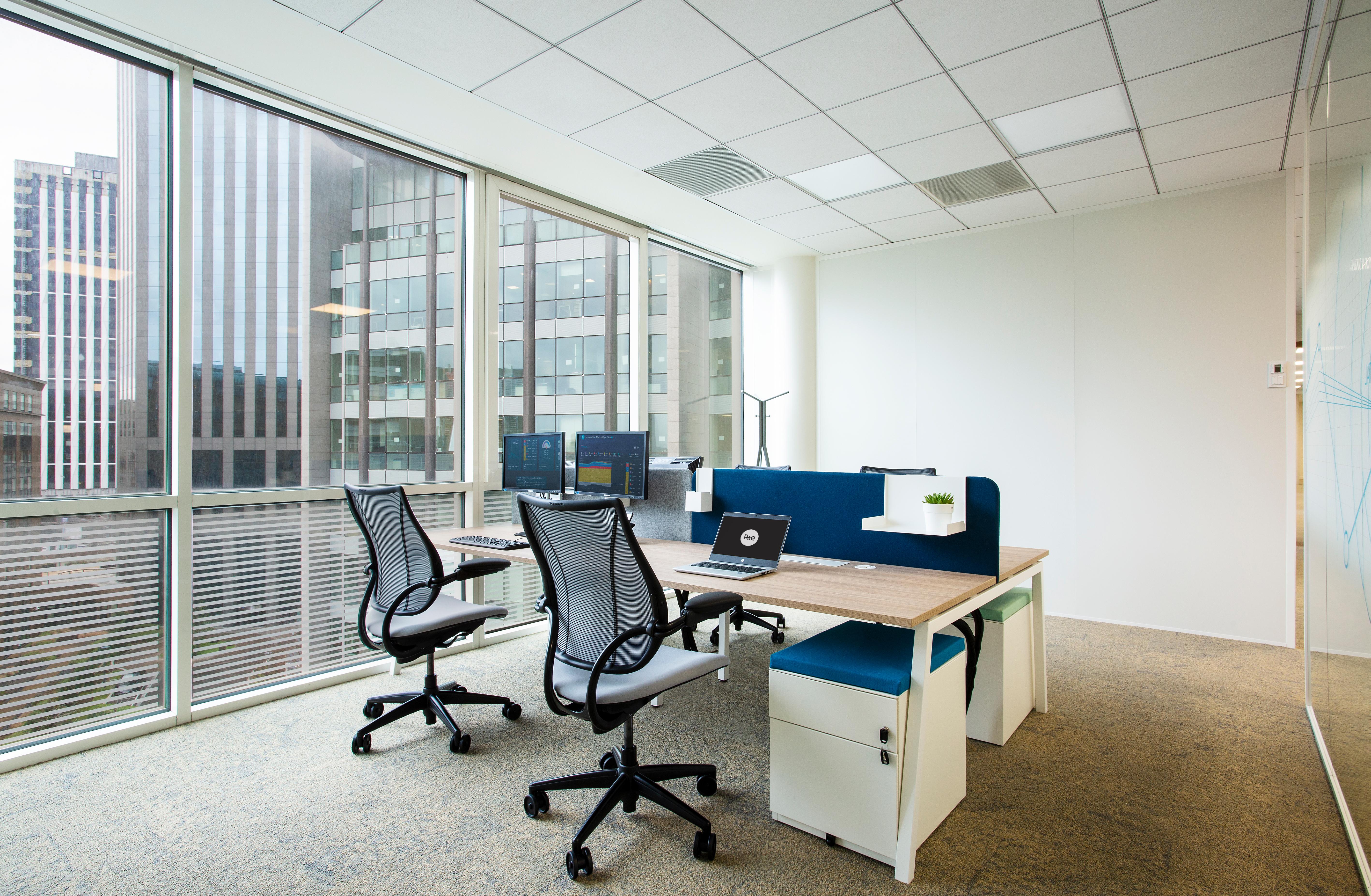 Aménagement de bureaux, espace de travail individuel - Réalisation RTE - Puteaux