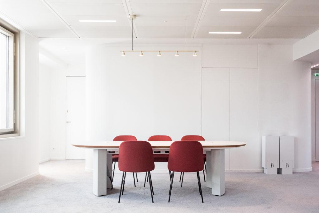 Aménagement d'une table projet - Réalisation UNOFI - Paris 1